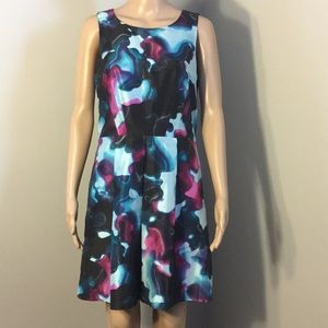 KENSIE : SLEEVELESS MIDI DRESS.  Size M